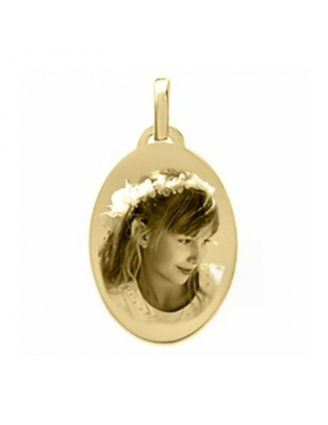 Bijou médaille ovale Plaqué or.