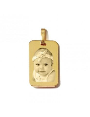 Pendentif  en or 9 carats rectangle gravé avec une photo.